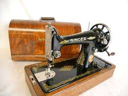 singer sewing machine collectors item or can be used R1200 neg