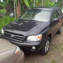 First Quality Tokunbo Toyota Highlander, 2005/06. 3-Row Seat. Very Ok.