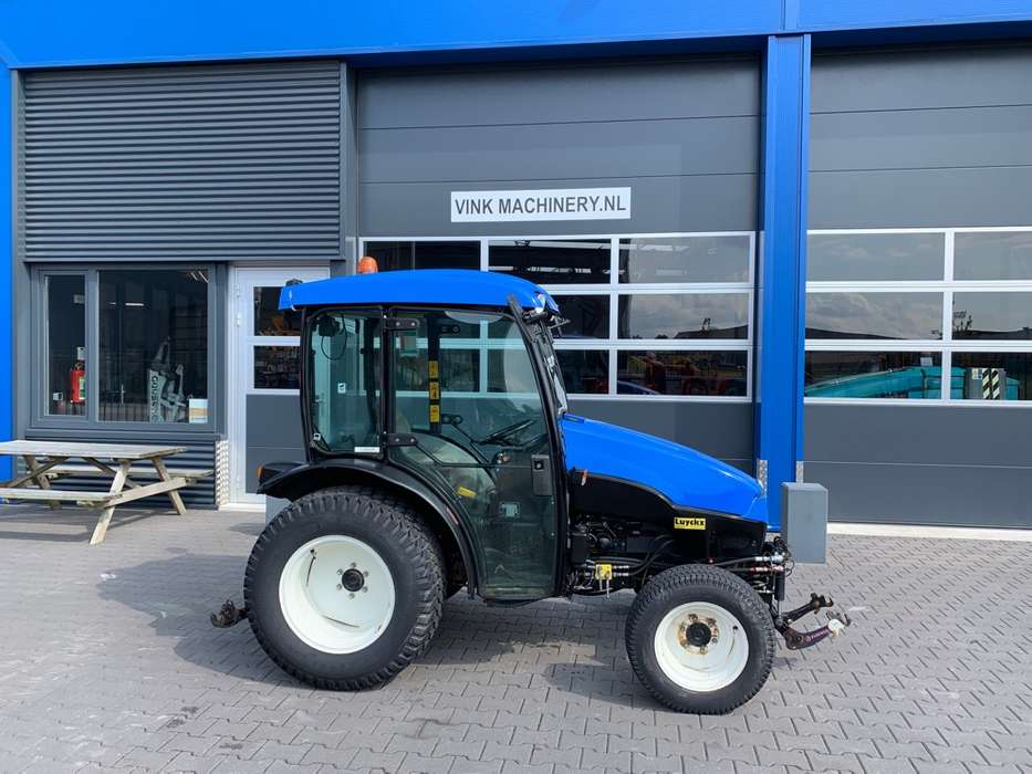 New Holland TCE 40 Tractor - 2006