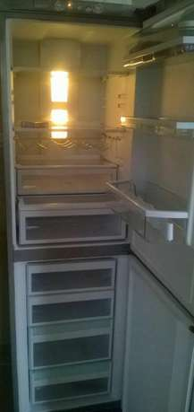 Silver super clean double door no frost fridge Nairobi CBD - image 3