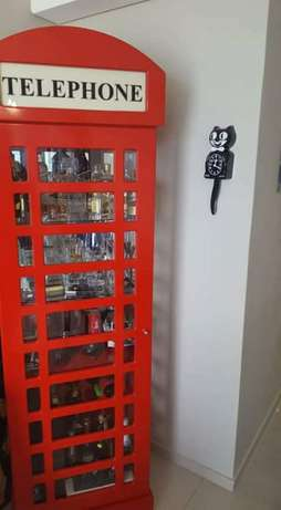 Red Telephone Booth display units Frankfort - image 1
