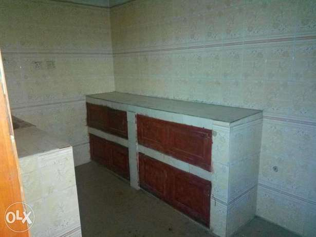 Spacious 3bedroom flat 250k with 4 toilets at igando Alimosho - image 2