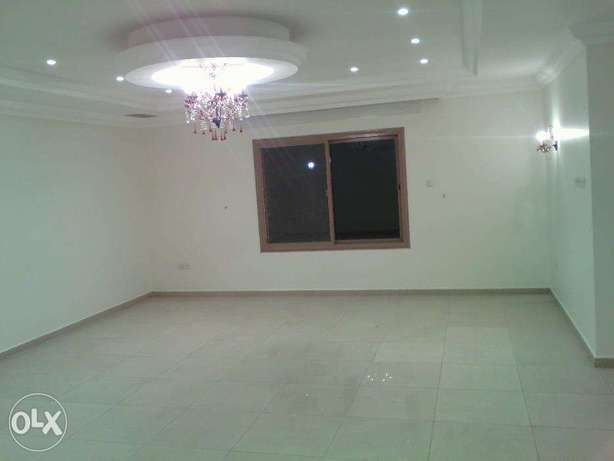Huge specious 3 bedroom apt in mangaf.