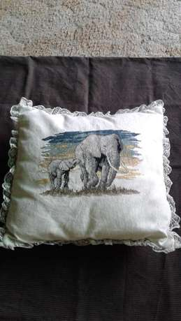 Embroidered Cushion, Doilies & Cloths. Benoni - image 1