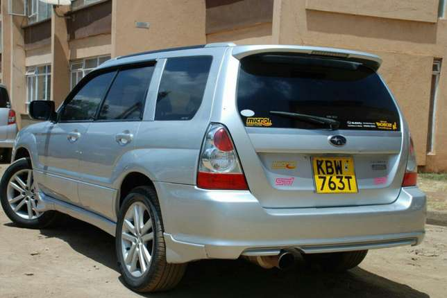 Subaru Forester year 2006 Model Kilimani - image 5