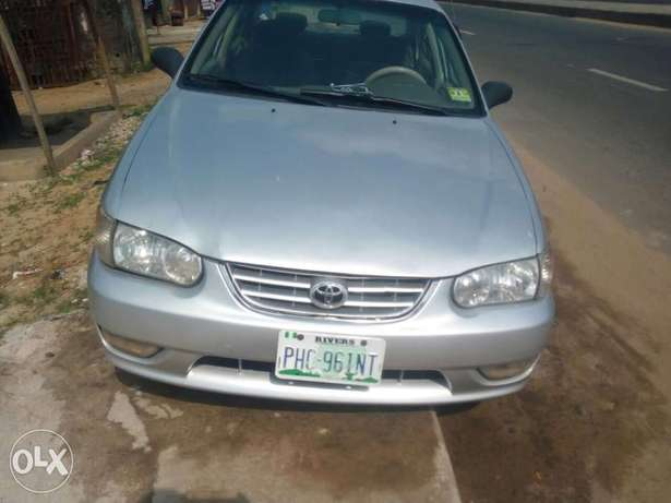 Clean Nigerian used Toyota corolla 2000 Model Port Harcourt - image 1