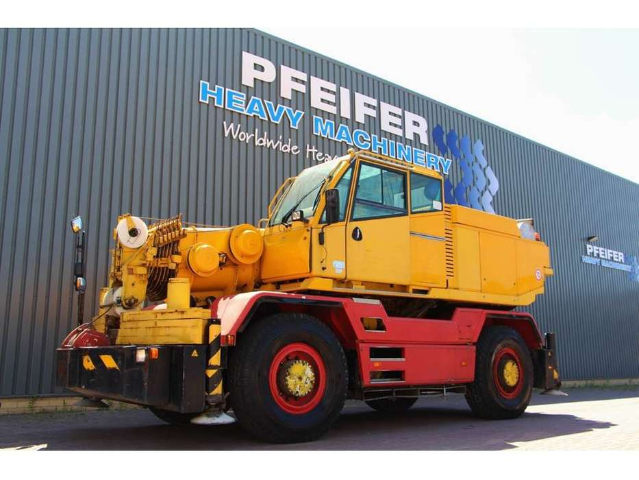 COMPACT TRUCK CT2 - 2001