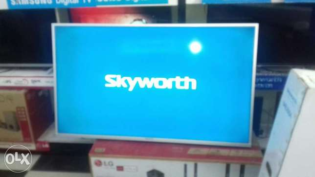 "Skyworth 43""smart tv Nairobi CBD - image 3"