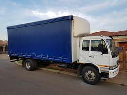 2010 Nissan Curtain side UD80 Truck Excellent condition