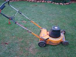 Lawnmower electric