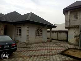 3bedroom flat to let(alone in d compound)