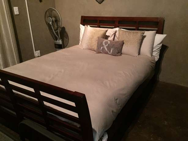 At Home- Solid Queen extra length Wooden bed Bloemfontein - image 2