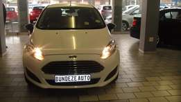 Pre owned 2014 Ford Fiesta 1.6 Trend