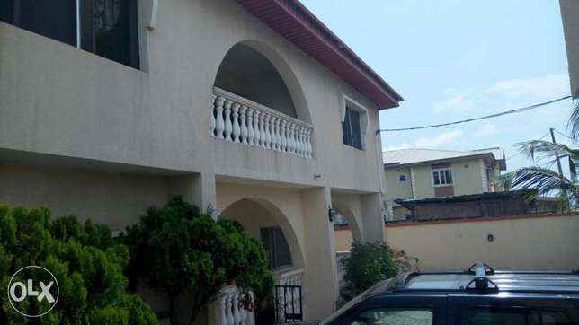 A lovely 5 bedroom duplex and 2 Nos 3 bedroom flat at Alpha Beach Lekki - image 3