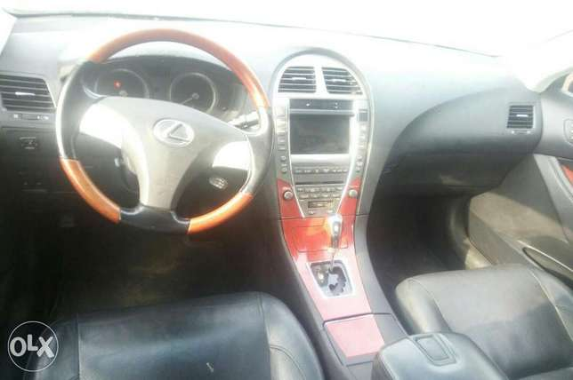Lexus ES350 Nigeria used 2007model for sale Ikeja - image 3