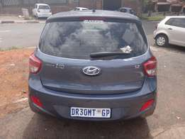 USED CARS IN JOHANNESBURG! Immaculate 2014 Hyundai i10 1.25 Grand Auto