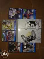 Ps4 + 6 games + 2 controllers