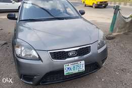 Super clean 2008 Kia Rio manual drive bought brand new