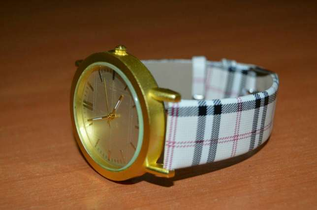 Patterned Designer Ladies Watch Nairobi CBD - image 4
