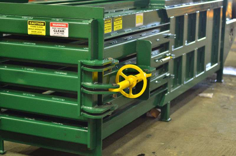 H15 Baler,plastic,pet bottle,card boards and car bombers for sale