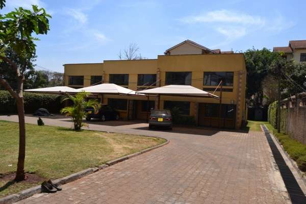 3 brm in community of 3 town houses Brookside Westlands - image 1