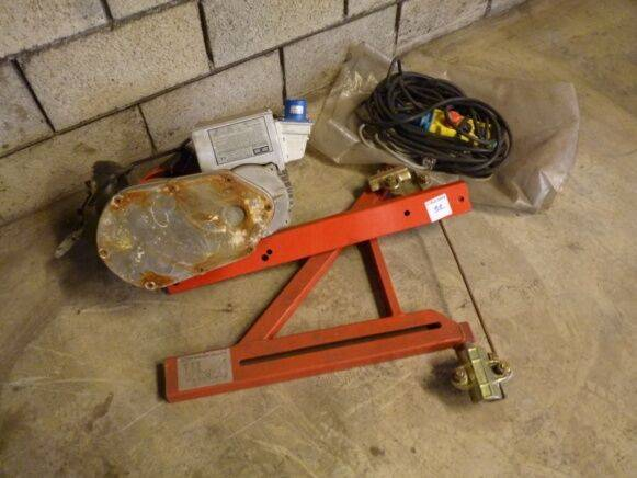 Hoist Electric  for Pramag Scaffolding winch for sale by auction - 1995