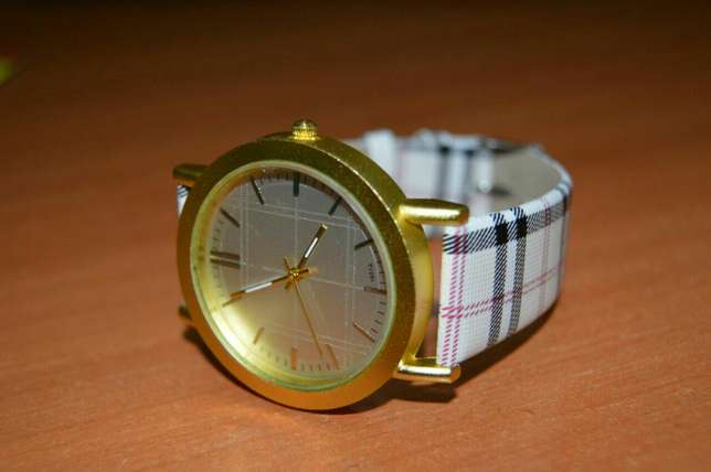 Patterned Designer Ladies Watch Nairobi CBD - image 2