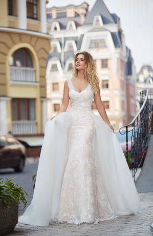 902e46b3b1 Piękna koronkowa suknia ślubna - wzór rybka Legnica - image 1