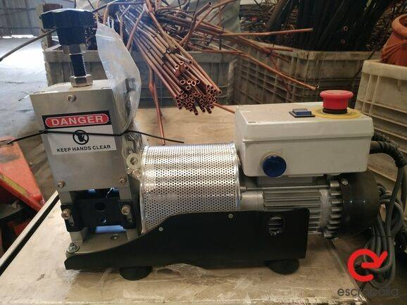 Sale máquina pelacables  equipment for  by auction