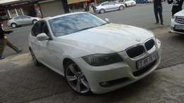 2011 Bmw 3 -series 330d Automatic/sunroof/leather int. 106000km