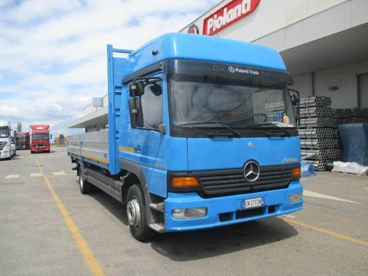 Mercedes-Benz Ateco Mercedes Cn277zn - 2002