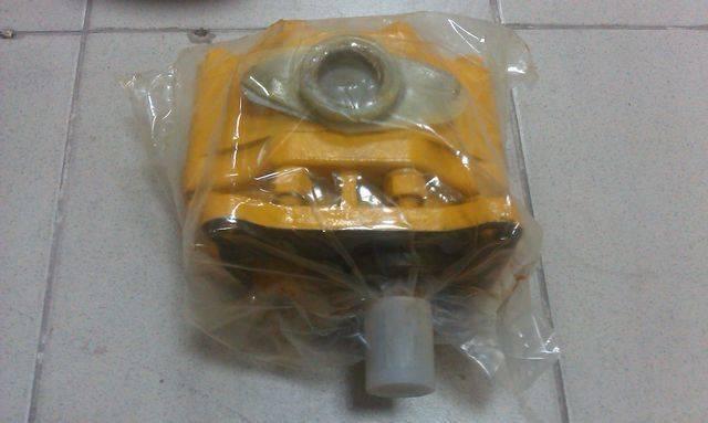 Shantui 16y-61-01000 hydraulic pump for  SD16 bulldozer - 2015