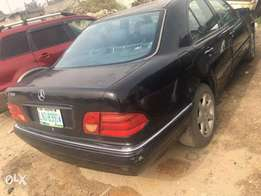 2001 Mercedes-Benz E320 in PHC