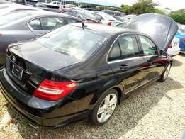 Mercedes Benz C300. Tokunbo.2011.Extremely Clean.