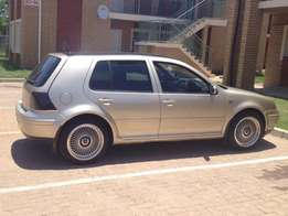 Im selling my golf 4 gold colour and sound system good condition