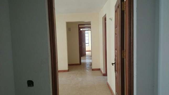 Emmarentia Apartment 3Br To Let– Kikuyu Town - off Southern bypass Nairobi CBD - image 2