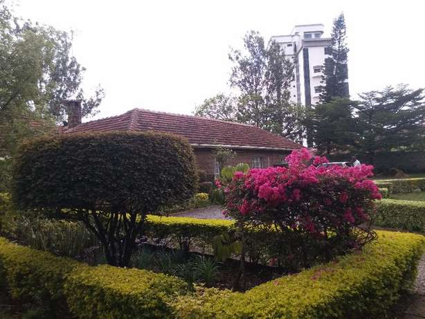 Kilimani near Yaya Center 1acre Nairobi CBD - image 2