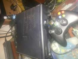 Chipped Xbox 360 with 15 Games