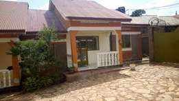 A 2 bedroom house in kiwatule at 500k