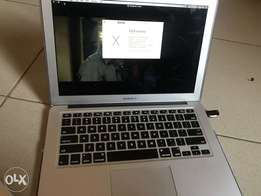 Macbook air early 2014 core15 256gig
