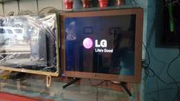 22 inches flat-screen screen led LG
