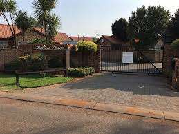 2 Bedroom Townhouse in Highveld