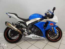 Suzuki GSXR 1000 blue and white.,