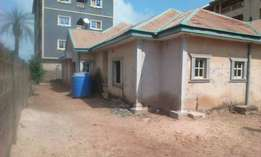 DISTRESS SALE: 4 Bedroom bungalow with extra 2 rooms all rooms ensuit