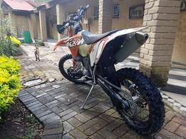 KTM 400 EXC with Papers.