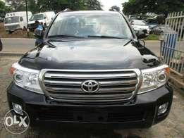 2012 model Toyota Landcruiser XR