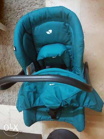 Baby Car Seat And Carrycot (Newborn) جدة -  2