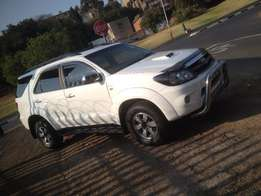 2009 toyota fortuner 3.0 D4D white color 94000km R185000