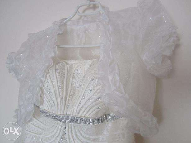 WEDDING GOWN - IMPORTED & Shoes & Accessories - Used once Nairobi CBD - image 3