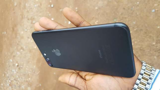 Black factory unlocked black iPhone 7 plus 32gb for sale for low price Saki West - image 5